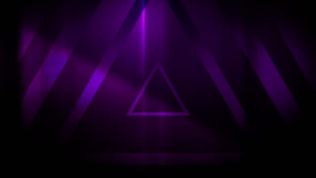 vidéos et rushes de 4k seamless pattern de haut contrasté bizarre et grungy triangles violets sans fin tunnel vidéo de fond - party social event
