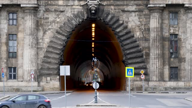 4k shot of budapest tunnel and rush hour city commuter traffic, hungary - széchenyi chain bridge stock videos & royalty-free footage