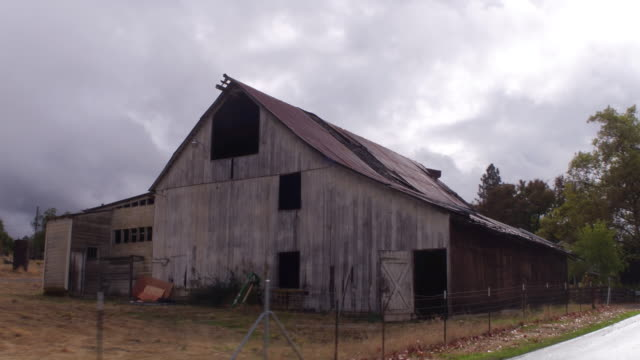 4k Stock Footage Old Rundown Barn