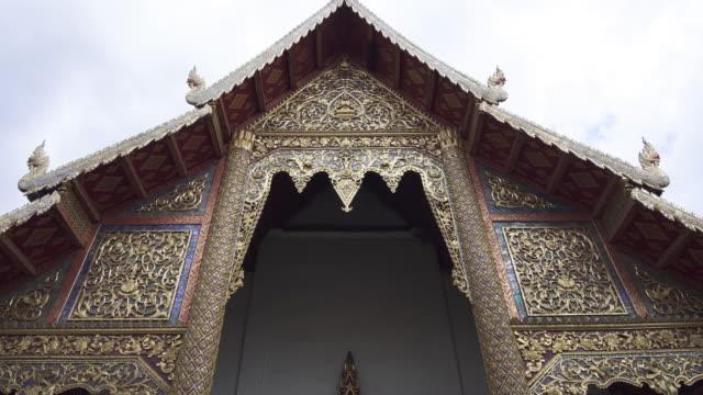 4k tilt down of Wat Phra Sing in Chiang mai, Thailand.