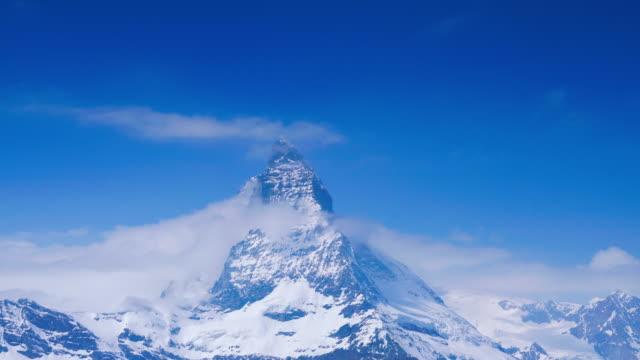 vidéos et rushes de 4k time lapse matterhorn, zermatt, suisse - alpes suisses