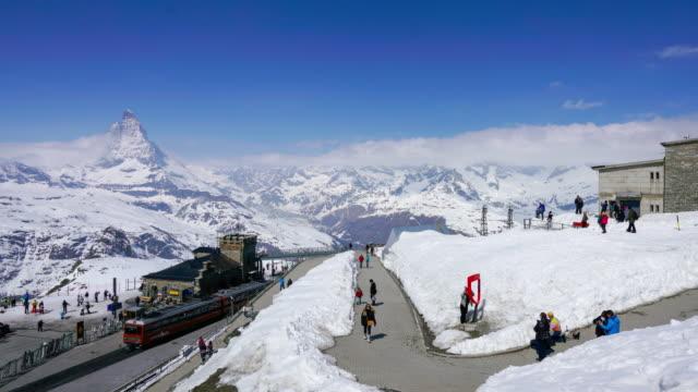 4k zeitraffer matterhorn, zermatt, schweiz - tal stock-videos und b-roll-filmmaterial