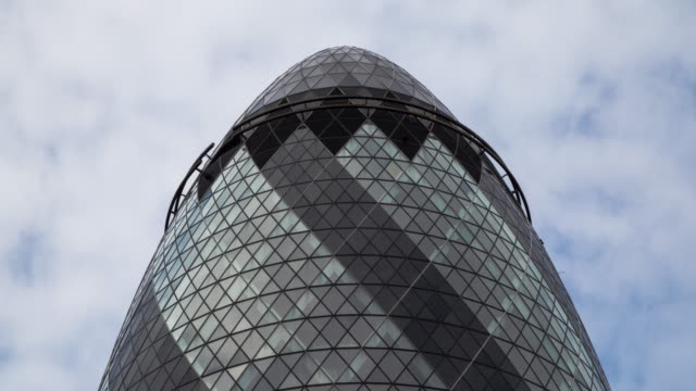 4k time lapse of 30 st mary also known as gherkin - sir norman foster building stock videos & royalty-free footage