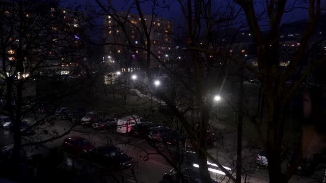 vídeos y material grabado en eventos de stock de 4k time lapse of rush hour busy traffic at night in the city of budapest hungary - cultura húngara
