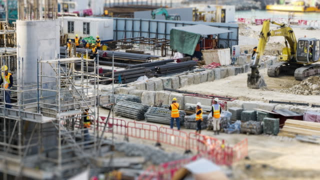 vídeos de stock e filmes b-roll de 4k time lapse (4096x2160) :the construction site. (apple prores 422 (hq) format). - obra