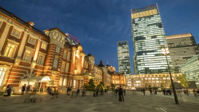 4k Time lapse : Tokyo Station at twilight