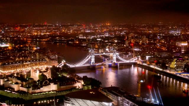 4 k Zeitraffer Tower Bridge, London, England im Sommer mit Zeitraffer