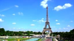 4k Timelapes : Eiffel tower in Paris, France