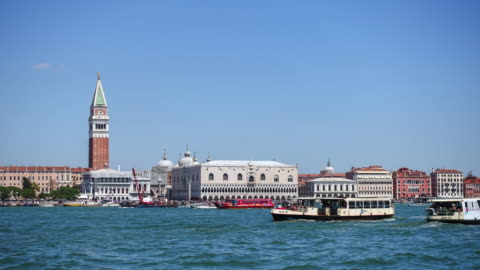 4 k timelapes: ヴェネツィア、サン ・ マルコ広場 - ポートワイン点の映像素材/bロール