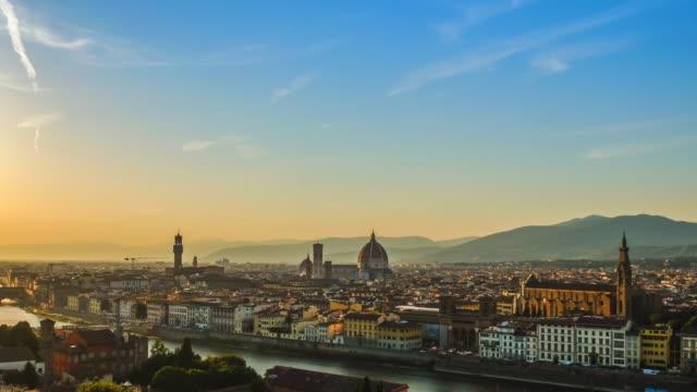 4k Timelapes: vue de coucher du soleil du Ponte Vecchio, Florence, Italie