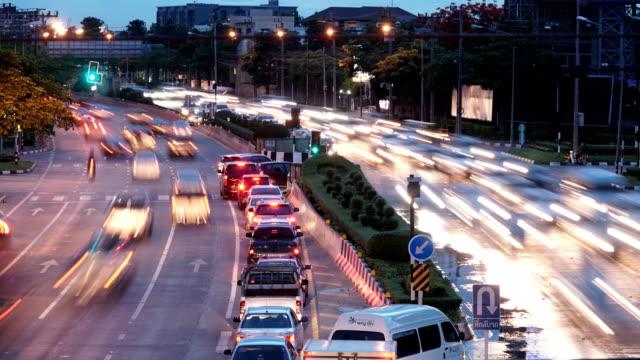 4 k Time-Lapse Bangkok Verkehr bei Einbruch der Dunkelheit