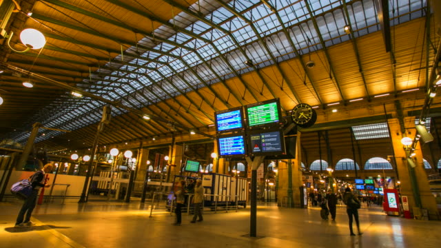 4k Time-lapse : Gare Du Nord train station, Paris