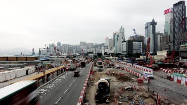 4k zeitraffer von hongkong, stadtbild und habor. - berg victoria peak stock-videos und b-roll-filmmaterial
