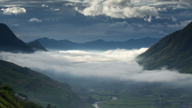 4k time-lapse of misty mountain in sapa vietnam. - sa pa stock videos and b-roll footage