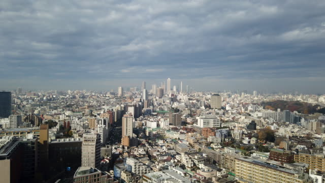 4k timelapse : aussichtspunkt tokyo tower city - schrägansicht stock-videos und b-roll-filmmaterial