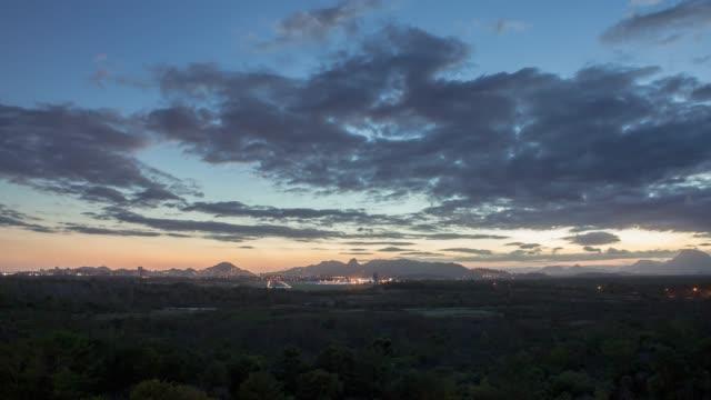 4k timelapse video - airpot at sunset - o anoitecer video stock e b–roll