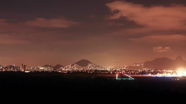 4k Timelapse Video - Night time air traffic