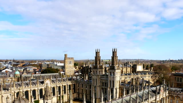 4k top view of the city of oxford, england, uk time lapse - oxford england video stock e b–roll