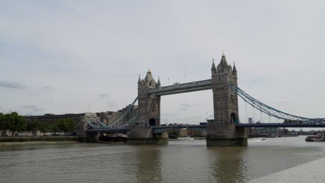 4k : tower bridge in london england uk - tower of london stock videos & royalty-free footage
