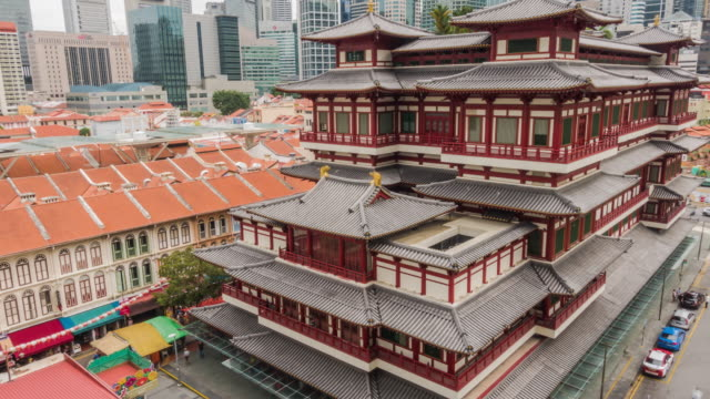 4k uhd timelapse at buddha tooth relic temple in china town ,singapore - arte dell'antichità video stock e b–roll