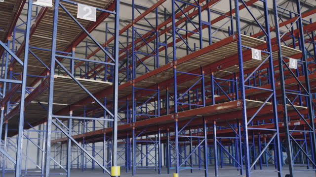 4k video footage of an empty warehouse - scaffolding stock videos & royalty-free footage
