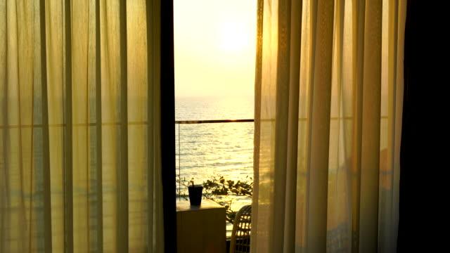 4k white curtain spitze im hotelzimmer - kaffeetasse stock-videos und b-roll-filmmaterial