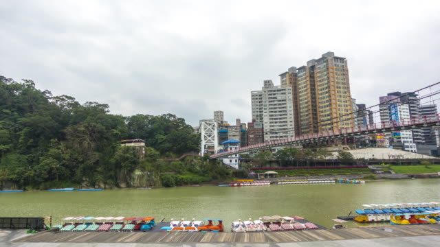 tl 4k : xin dian river taipei, taiwan - taipei stock videos & royalty-free footage