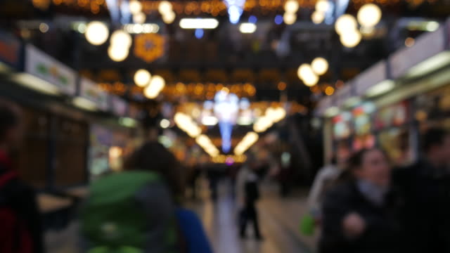 vídeos y material grabado en eventos de stock de 4 k: navidad a street - centro de berlín