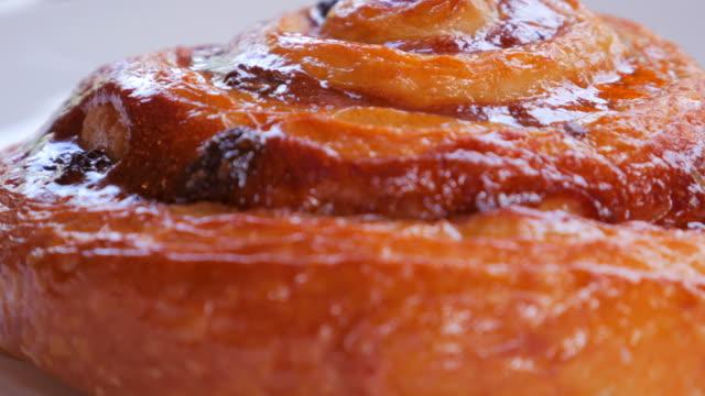 4K:Close-up:Cinnamon Croissants
