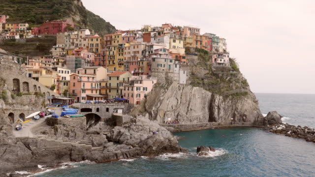 4k,italy,village of manarola, on the cinque terre coast of italy, seascape in five lands, cinque terre national park, liguria italy europe.selective focus,vintage color - cinque oggetti video stock e b–roll
