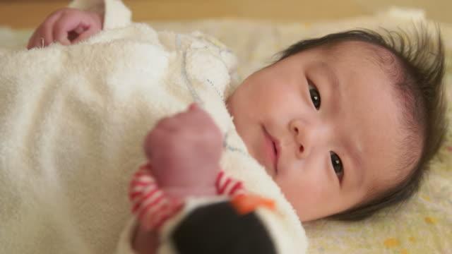 4 K 、日本の赤ちゃん。