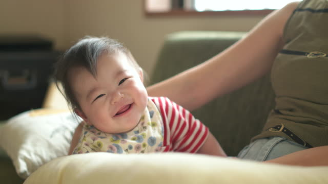 4k,mother and baby in living room. - japanese ethnicity stock videos & royalty-free footage