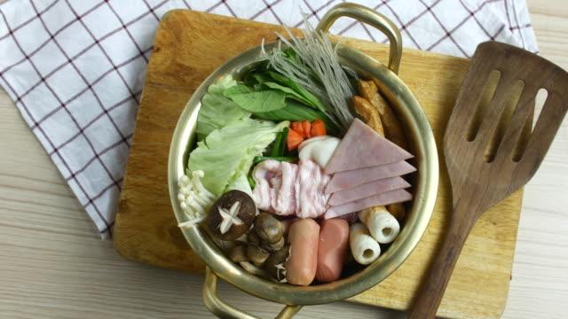 4 k  : 準備韓国料理、トップビュー - 玄米点の映像素材/bロール