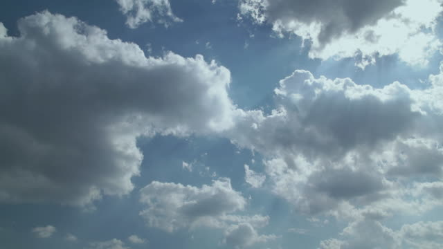 4 K, Time lapse remate de céu e clouds.Tokyo, Japão