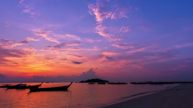 4k.Time Lapse Sunset  or Sunrise on the beach.