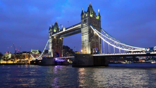4k:tower bridge in london - tower bridge stock videos & royalty-free footage