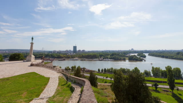 4k:victor monument in belgrade, serbia - fort stock videos & royalty-free footage