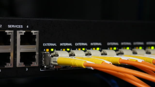 4K:Working network switch