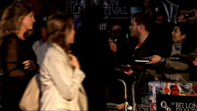 'The King's Speech' premiere red carpet arrivals and interviews ** BEWARE Tom Hooper along on red carpet to sign autographs for fans / Hooper along /...