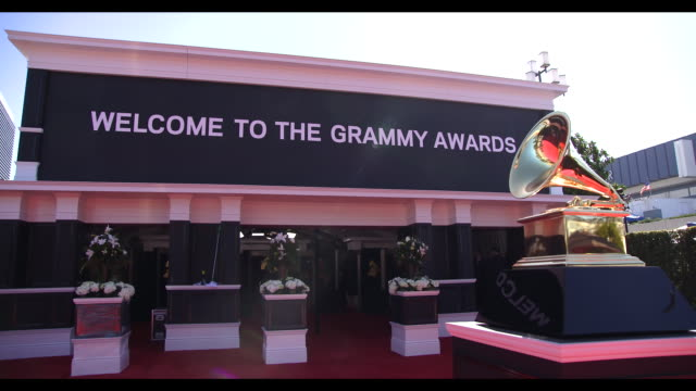 atmosphere 59th annual grammy awards arrivals at staples center on february 12 2017 in los angeles california 4k - grammys stock videos & royalty-free footage