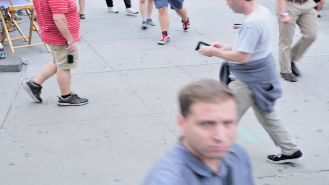 vídeos de stock, filmes e b-roll de 59th street columbus circle upper west side manhattan new york city usa time lapse people traffic new york city on august 23 2013 in new york city... - 2013