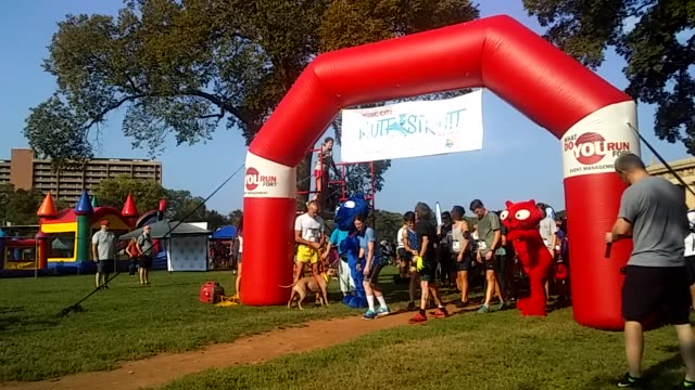 5k race to benefit the National Humane Society at Central Park in Nashville Tennesse