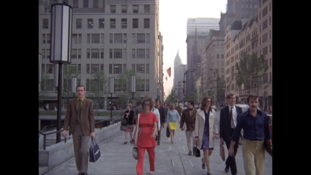 1968 - 5th avenue, new york city - fifth avenue stock videos & royalty-free footage