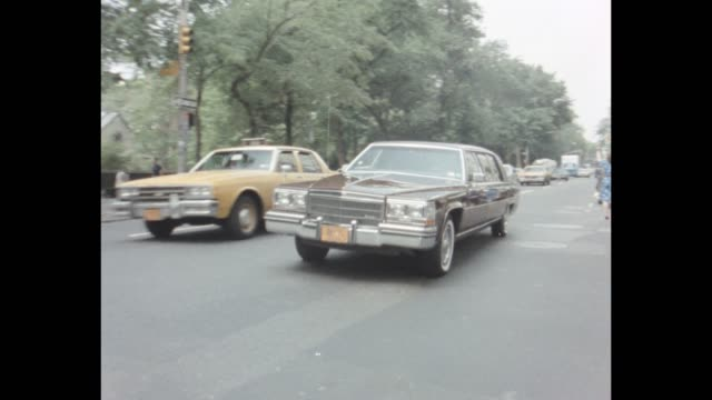 vidéos et rushes de 1985 nyc - 5th avenue, upper east side - central park manhattan