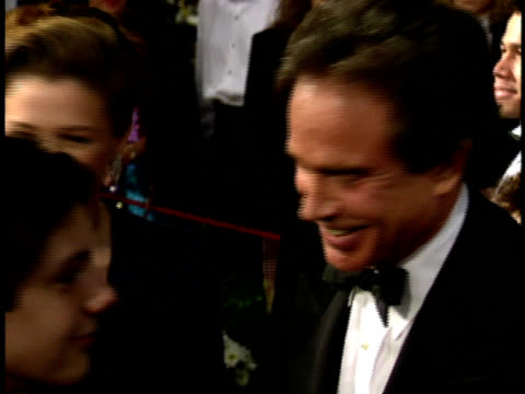 64th academy awards: annette bening and warren beatty greeting diane ladd on the red carpet. - annette bening stock videos & royalty-free footage