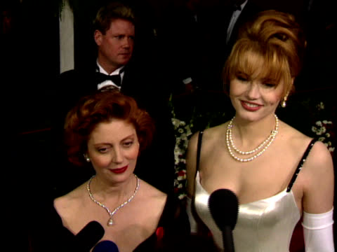 Susan Sarandon and Geena Davis speaking to reporter on red carpet saying due in three weeks