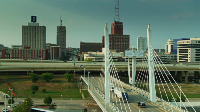 6th st bridge heading under i-794 - aerial - elevated road stock videos & royalty-free footage
