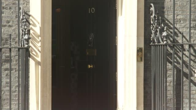 annemarie plas downing street arrival england london downing street ext annemarie plas along and into number 10 - politics stock-videos und b-roll-filmmaterial