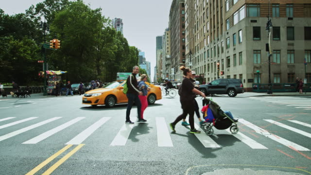 72nd st and central park west, manhattan, nyc - pedestrian crossing stock videos & royalty-free footage