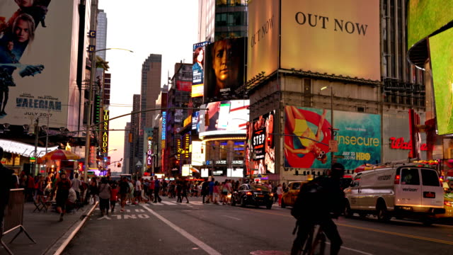 7th avenue, times square, wallgreen, billboards, madame tussauds, road, tourists - madame tussauds stock videos & royalty-free footage